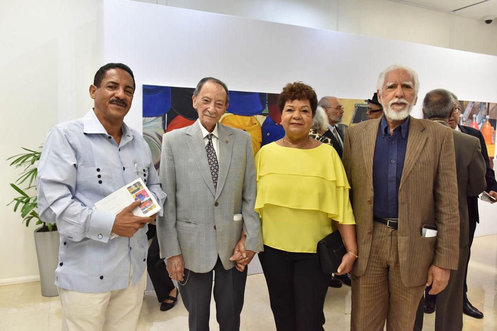 Miguel Gómez, Julio Llort, Elizabeth de Llort y Antonio Guadalupe